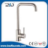 Nickel sans plomb rotatif de satin de robinet de mélangeur de cuisine de l'acier inoxydable 304