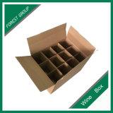 La bière ondulée de 12 bouteilles à l'extérieur enferment dans une boîte