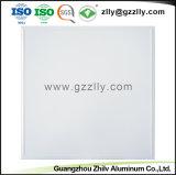 Mattonelle di alluminio del soffitto del comitato di gonfiamento convesso del materiale da costruzione dei commerci all'ingrosso