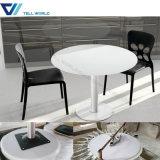 Cofffeeの店の円形の大理石の上表および椅子