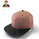 Разработке нестандартного Snapback соломы с Red Hat с кожаными пик