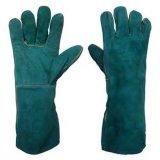 Utilisation anti-calorique de cheminée de gants de travail de soudure de cuir fendu