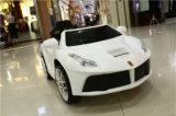 Automobile elettrica delle automobili del giocattolo delle limousine per i capretti con telecomando
