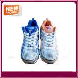 Ботинки идущих ботинок спорта способа атлетические