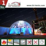 Tenda trasparente della cupola geodetica utilizzata per gli eventi esterni