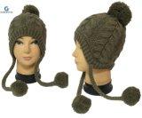 Мода для вязания Earflap Red Hat с Pompom (HJB-091)