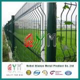 最もよい価格のPVCによって塗られる電流を通された金網の塀の製造者