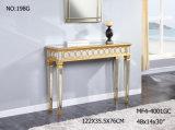 Деревянная золотистая таблица пульта с ясным зеркалом