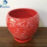 Керамический бак плантатора в красном цвете лоска с белыми пузырями