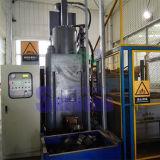 Blocchetto rotondo dei trucioli di alluminio residui che fa macchina