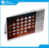 Impression 2018 polychrome faite sur commande de calendrier de bureau