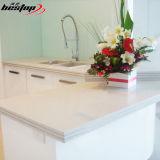 Controsoffitti bianchi artificiali della pietra della cucina di colore del quarzo del fornitore cinese