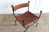 포도 수확 브라운 가죽 의자를 가진 흑색 화약 코팅 철 프레임