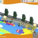 子供のための幼稚園の屋外の冒険の木の運動場