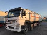 Camion lourd de Bowser d'essence du camion-citerne 35kl d'essence de Sinotruk 8X4 pour l'exportation