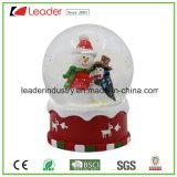 Globo della neve di Polyresin del globo dell'acqua di natale per i regali decorativi