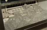 Niedriger Preis-Quadrat-Würfel-Hersteller-industrielle Würfel-Speiseeiszubereitung-Maschine für Verkauf