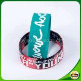 Bracelet différent de silicium de couleur et de taille de logo fait sur commande de Noël