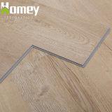 木耐久力のあるPVC板のビニールの物質的な床タイルを見なさい