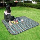 屋外のFoldable湿気の防止の砂の証拠の防水ピクニックマット