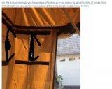 La doble bolsa de dormir en carpa de techo coche