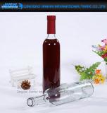 500ml svuotano la bottiglia di vetro del vino rosso con la protezione del sughero