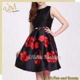 サテンの服のための高品質の花パターンに着せている方法服の女性