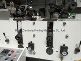 Machine d'impression flexographique avec la machine 2 de découpage