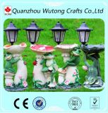 La decoración de la luz solar Park estatua de setas con figurita de ranas