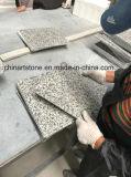 中国の床および台所のための白い花こう岩の建築材料のタイル