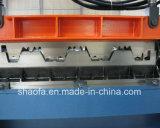 Het hete Broodje die van de Vloer van het Blad van Decking van het Aluminium van de Verkoop Machine vormen