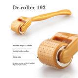 Ролик Derma 192 иглы Dermaroller золота с крышкой металла бортовой эффективно прорезывает кожу