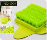 Pulizia del piede basata aspirazione della stanza da bagno che bagna la spazzola del piede