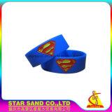 Braccialetto impermeabile alla rinfusa del silicone di colore di marchio di Best Price Custom Company singolo