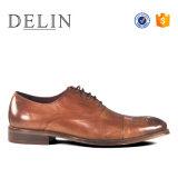 Цена на заводе модных мужчин Lace Up кожаную обувь