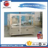 L'eau gazéifiée Machine de remplissage peut et de couture machine d'emballage de remplissage de jus et boissons