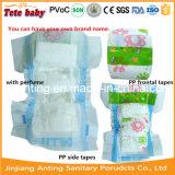 Couches-culottes de bébé avec le parfum, couches-culottes de bébé de parfum de poudre