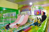 Het Stuk speelgoed van de uitbreiding met de Zachte Speelplaats van Inoor van het Kind van de Speelplaats