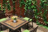 Conjuntos de los muebles del patio de los muebles del jardín