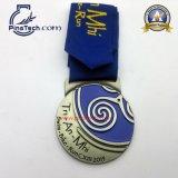 Medaglia personalizzata di sport del Triathlon con il nastro stampato rivestimento d'argento antico