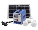 Nécessaires à énergie solaire portatifs d'éclairage de système d'alimentation de C.C de 6W 8W 10W avec la charge pour la maison