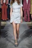 O falso o mais novo dos projetos Pérola-Embellished vestido das mulheres do jacquard o mini