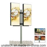 En el exterior doble dos de la Calle pilar de Luz Banner Polo titular de la película de PVC flexible de LED Light Box