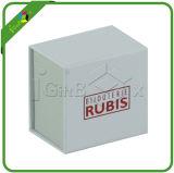 Piccoli contenitori di regalo bianchi su ordinazione