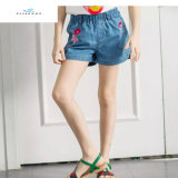2017 nuovi Shorts del denim di stile di estate con ricamo per le ragazze dai jeans della mosca