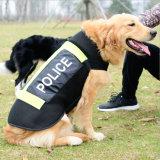 La polizia riflettente dell'animale domestico della maglia del cane protettivo conferisce a