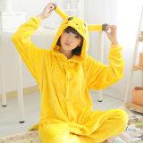 Franela linda Pikachu Piecelong animal - pijamas del otoño y del invierno de los pares caseros de la cachemira de los pijamas a casa de las mujeres coralinas envueltas del juego