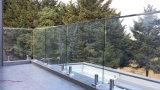 カスタマイズされた栓のクラス柵で囲む12mmオーストラリアの栓のガラス塀デザイン