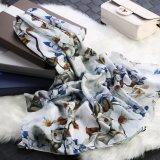 Bloem op de Witte Sjaal van de Gift van de Manier