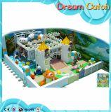 Petite cour de jeu molle d'intérieur de jardin d'enfants